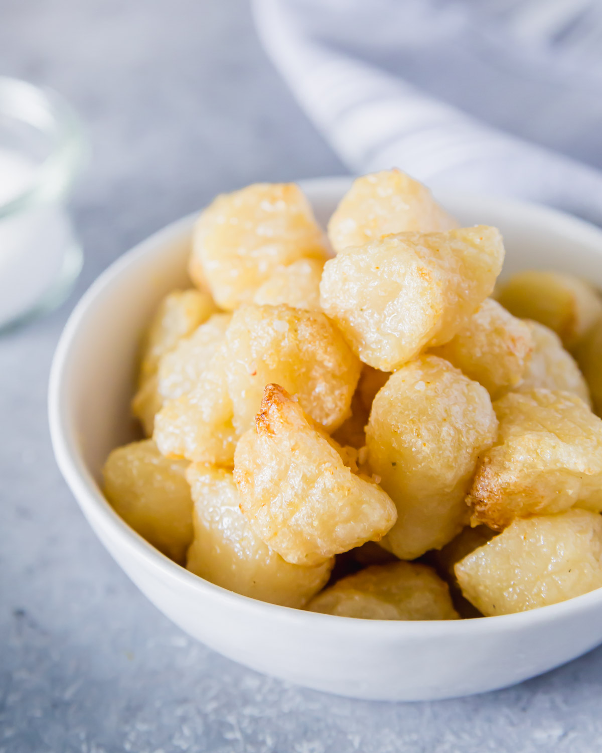 Preparing cauliflower gnocchi in the air fryer is one of the easiest methods that results in the perfect crispy texture.
