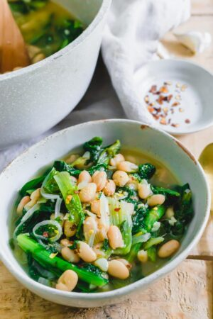 Easy recipe for escarole and white beans